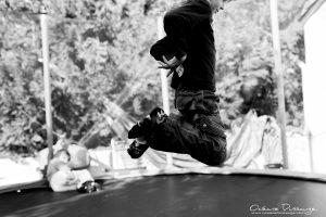 saut sur le trampoline