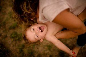 bébé-tata-rires